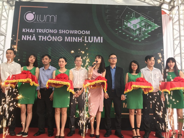 """Khai trương showroom Nhà thông minh, Lumi """"khoe"""" sản phẩm tích hợp AI - 1"""