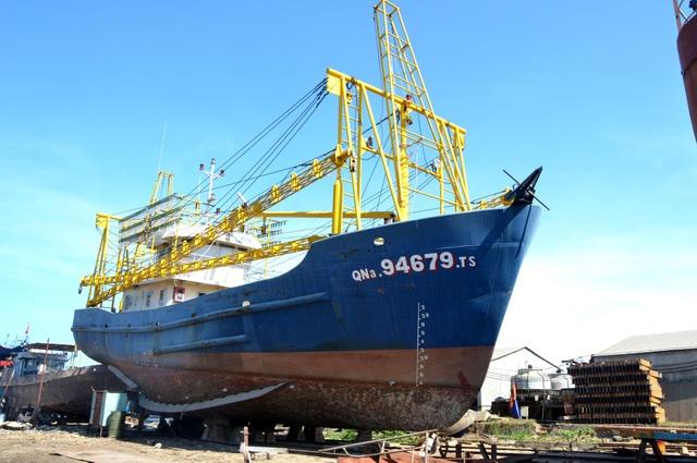 Sau nhiều năm kiện tụng, đến nay con tàu vỏ thép của ông Liên vẫn nằm bờ