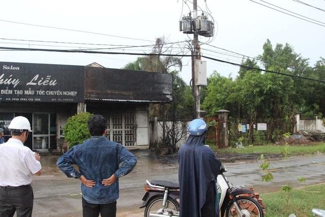 Hiện trường vụ nổ trạm biến áp khiến 2 nhân viên Công ty Điện lực Củ Chi bỏng nặng.