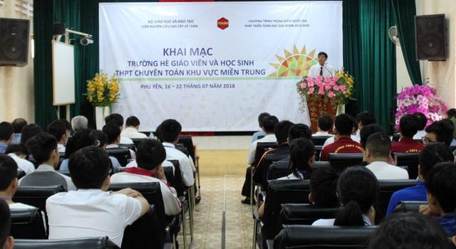 Lớp hè Toán học khu vực miền Trung được tổ chức tại trường chuyên Lương Văn Chánh (Phú Yên) từ ngày 16 - 22/7/2018.