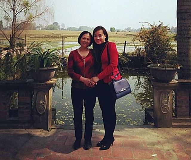 Chị Lê Thanh Hiền và người mẹ Phan Thị Tuyết Hoa
