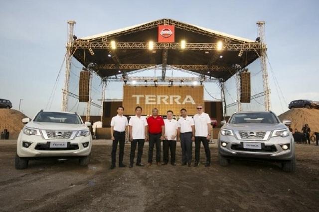Nissan Terra tại Phillippines có giá bán tương đương 650 - 910 triệu đồng