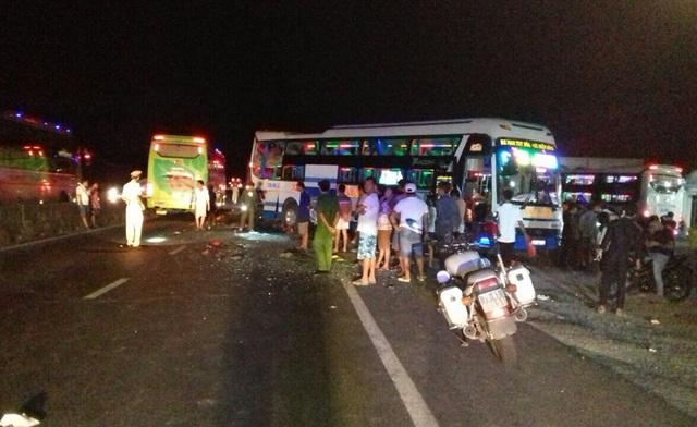 Hiện trường vụ tai nạn khiến 2 người chết, 2 người bị thương nặng