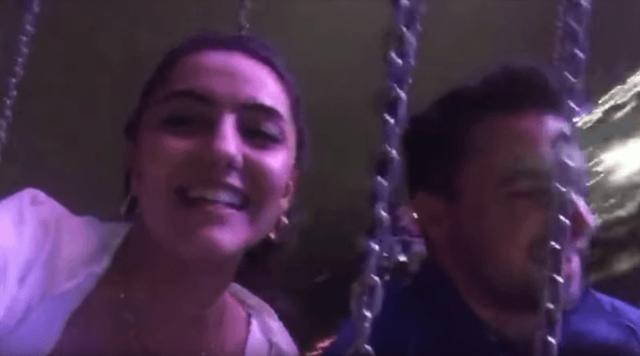 Cansel Yildirim ghi hình bằng chiếc iPhone khi đang trên vòng đu quay cùng bạn trai.