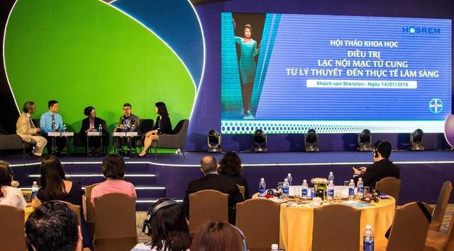 Phần thảo luận và chia sẻ kiến thức chuyên môn của các chuyên gia đầu ngành tại hội thảo khoa học về Điều trị Lạc nội mạc tử cung do Bayer (Văn phòng Đại diện của công ty Bayer (SEA) Pte. Ltd. tại Thành phố Hồ Chí Minh) phối hợp với Hội Nội tiết sinh sản và Vô sinh Thành phố Hồ Chí Minh (HOSREM) và Bệnh viện Phụ sản Trung ương tổ chức