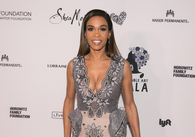 Trang TMZ bất ngờ đưa tin, ca sỹ Michelle Williams đã đi điều trị thần kinh ở Los Angeles