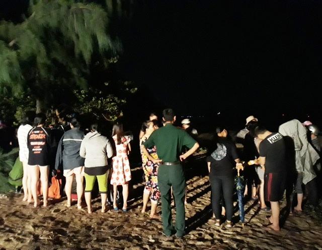 Tắm biển, 2 thanh niên chết, 1 mất tích.