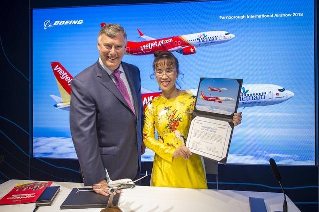 Lãnh đạo Vietjet và Boeing