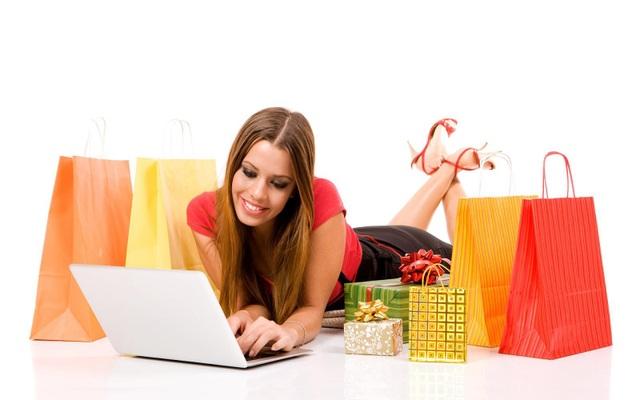 """Với mô hình này, khách mua hàng online cũng phần nào giảm bớt nỗi lo """"ảnh một đằng, hàng một nẻo"""" vẫn thường gặp."""