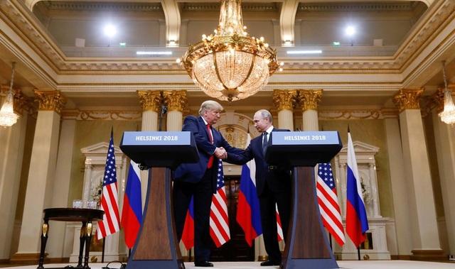 Quang cảnh cuộc họp báo gây tranh cãi của Tổng thống Trump và người đồng cấp Nga (Ảnh: Reuters)