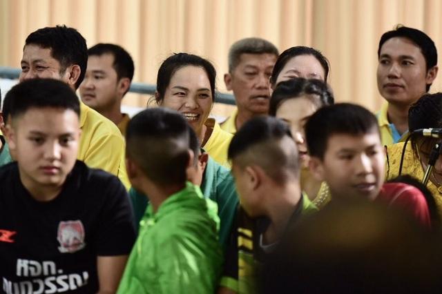 """Đội bóng Thái Lan kể lại """"khoảnh khắc kỳ diệu"""" được giải cứu khỏi hang - 11"""