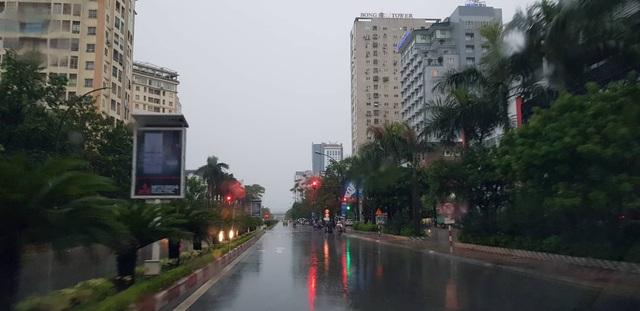 Bão vào bờ và suy yếu luôn, không gây ra thiệt hại lớn về tài sản. Hình ảnh thành phố Vinh (Nghệ An) sáng nay 19/7. (Ảnh: Nguyễn Duy)
