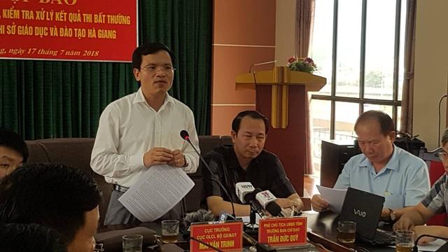 Họp báo công bố kết quả thẩm định điểm thi bất thường tại Hà Giang (Ảnh: Kiên Trung).