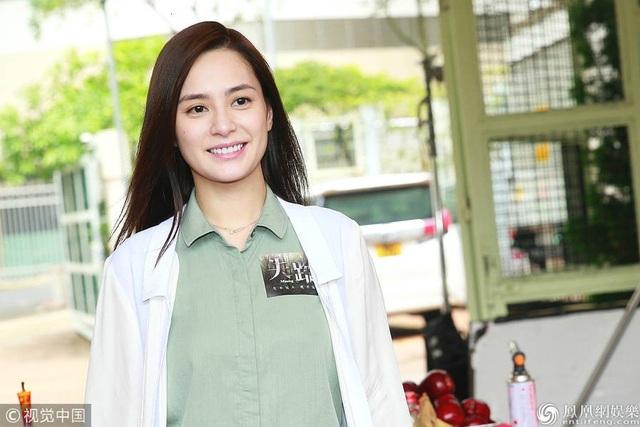 Đã 8 năm trôi qua, Chung Hân Đồng không tham gia bất kỳ dự án điện ảnh nào tại Hồng Kong nên cô có phần hồi hộp.