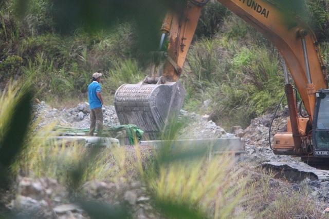 Hoạt động khai thác khoáng sản chui tại mỏ ở thôn Huỳnh Trúc, xã Phong Mỹ, huyện Phong Điền của Công ty TNHH Trường An bị PV điều tra, phát hiện