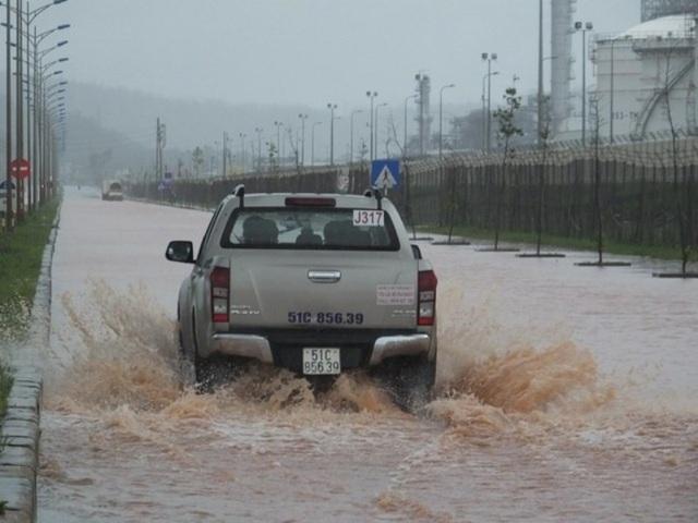 Sau bão, nhiều vùng ngập sâu trong nước lũ - 5