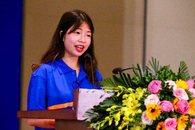 Cô bạn vinh dự được đại diện cho 2.000 tân sinh viên Đại học Greenwich (Việt Nam) khóa VII phát biểu trong buổi Lễ Khai giảng năm 2018.