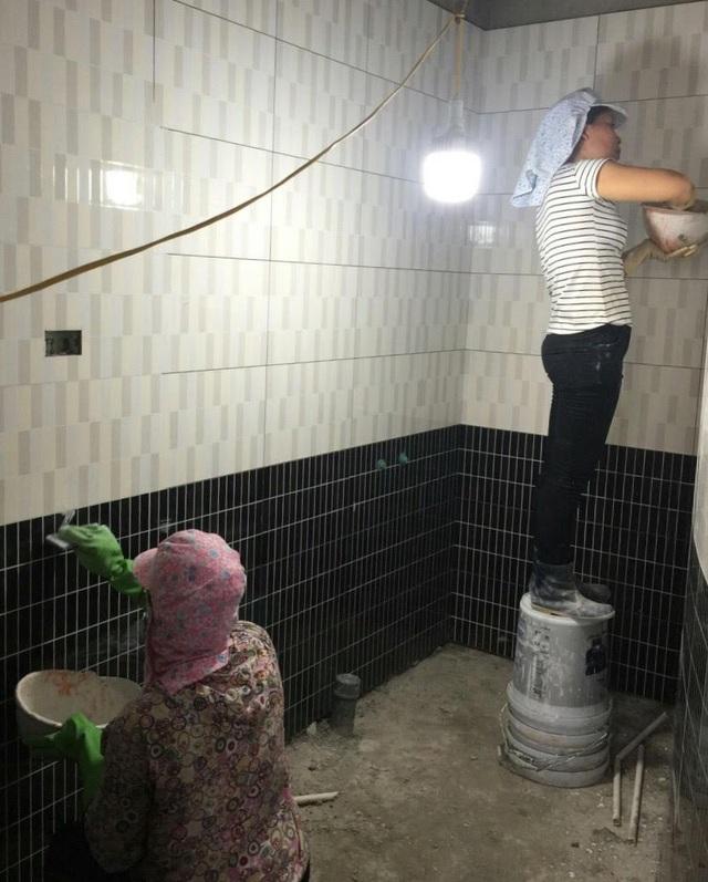 Bên trong các căn hộ cũng đang gấp rút triển khai hoàn thiện để kịp tiến độ bàn giao cho KH.