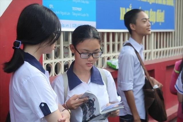 Thí sinh tham gia kỳ thi THPT quốc gia 2018 tại TPHCM. Ảnh: Cường Ngô