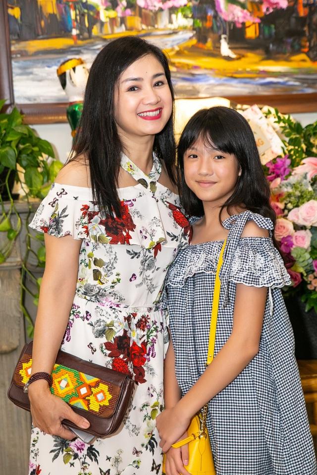 Nhan sắc trẻ trung của diễn viên Thu Hà khiến nhiều người ngưỡng mộ.