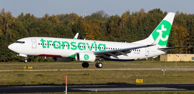 Chuyến bay buộc phải hạ cánh khẩn cấp vì hành khách bốc mùi quá nặng
