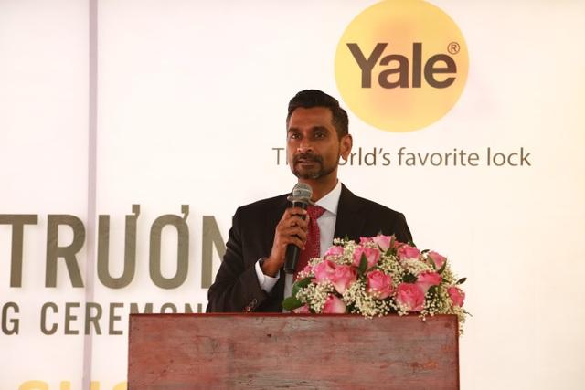 """Đại diện Yale phát biểu: """"Thương hiệu Yale của chúng tôi đã và đang đẩy mạnh các dòng khóa điện tử thông minh, với các tính năng bảo mật cao và tiện dụng cho người dùng"""""""