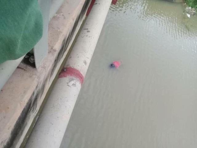 Thi thể nữ 20 tuổi phát hiện nổi dưới sông ngay chân cầu Ỷ Na chiều 19/7.