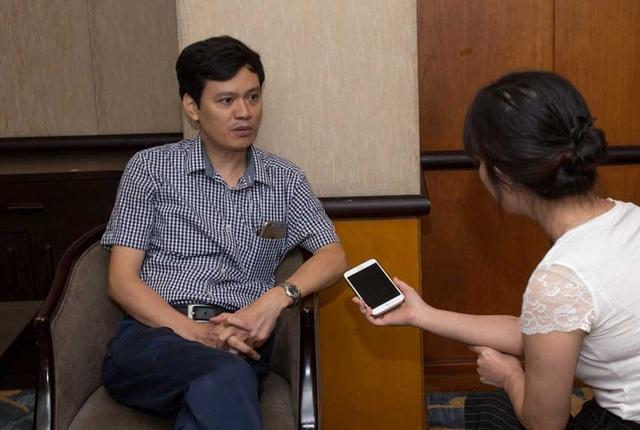 PGS.TS. Vũ Đăng Lưu, Phó Tổng thư ký Hội Điện Quang và Y học hạt nhân Việt Nam,   Phó Giám đốc Trung tâm Điện quang Bệnh viện Bạch Mai trả lời phóng vấn báo Dân trí