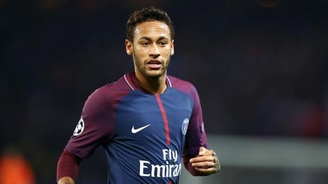 Neymar quyết định ở lại PSG