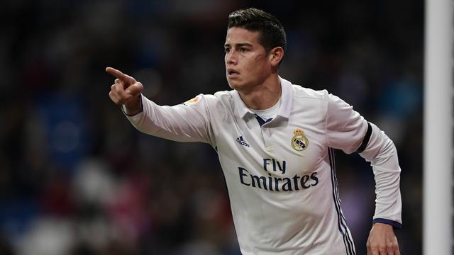 Sau thành công lớn ở World Cup 2014, James Rodriguez cập bến Real Madrid với mức phí 71 triệu bảng. Cầu thủ này chỉ thực sự chơi hay dưới thời HLV Ancelotti. Anh gần như bị bỏ quên khi Rafa Benitez và Zidane dẫn dắt CLB. Mùa trước, tiền vệ người Colombia đã bị đẩy sang Bayern Munich thi đấu theo hợp đồng cho mượn kéo dài 2 năm.