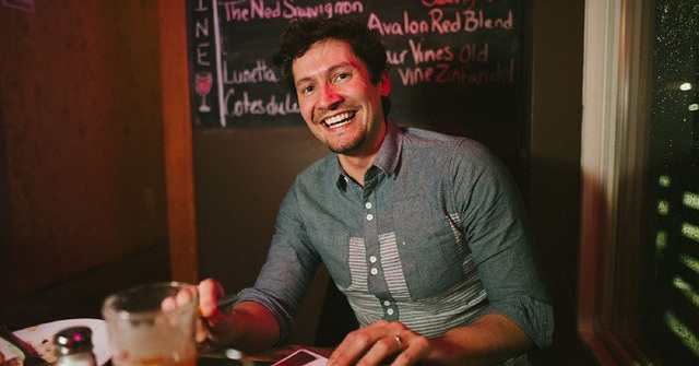 Từ niềm đam mê với bia, Alcalde đã thành lập startup Kegs & Code.