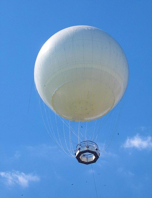 Nhiều khả năng quả bóng thời tiết đã phát nổ trên biển Đại Tây Dương