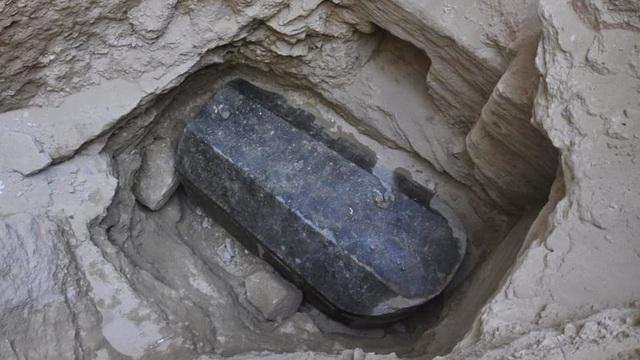 Đây là mộ cổ kích thước lớn nhất từ trước đến nay được tìm thấy còn nguyên vẹn. (Ảnh: Getty)