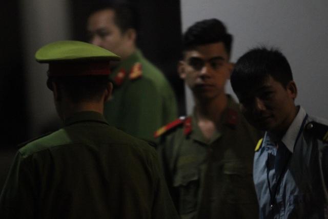 An ninh thắt chặt trong đêm, phục vụ rà soát điểm thi tại Sơn La - 7