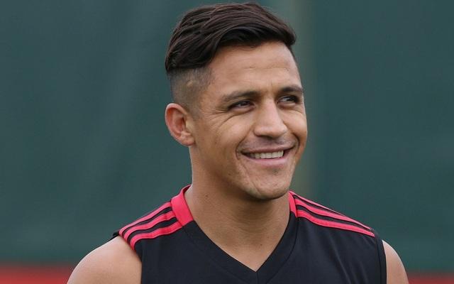 Hồi đầu tuần, Sanchez vẫn phải ở lại Manchester do bị từ chối visa tới Mỹ