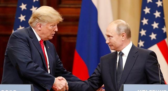 Tổng thống Mỹ Donald Trump và Tổng thống Nga Vladimir Putin tại cuộc họp báo ở Helsinki hôm 16/7. (Ảnh: Reuters)