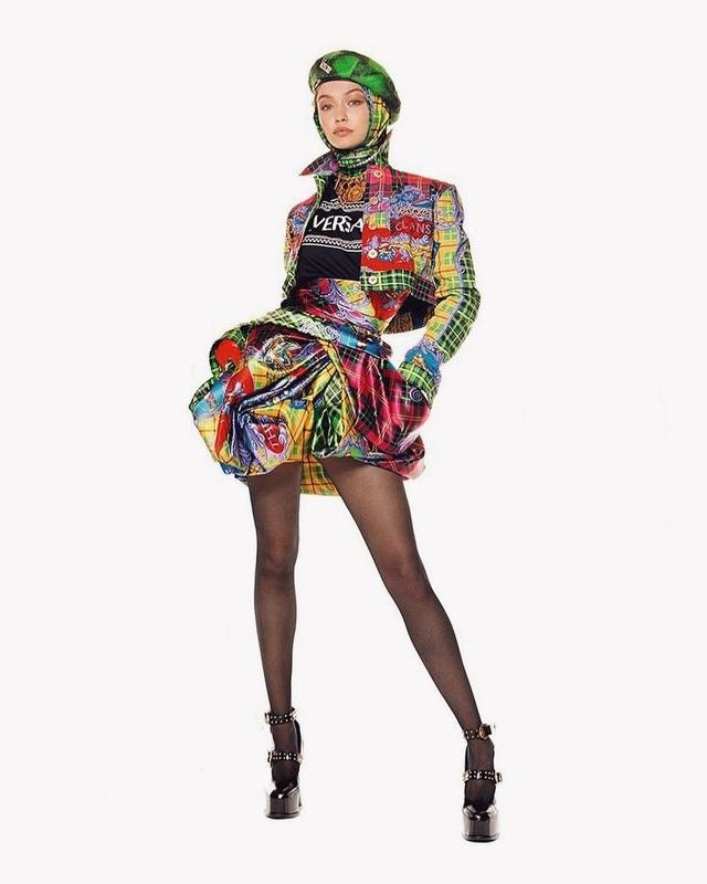 Người đẹp tóc vàng vừa trở thành gương mặt quảng cáo của Versace