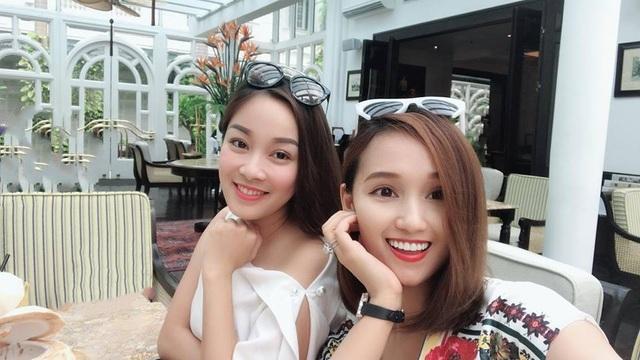 Lã Thanh Huyền là một người bạn thân thiết của Vân Hugo và Minh Hương nên cô cũng tề tựu trong những cuộc hội ngộ gặp gỡ của dàn diễn viên Nhật ký Vàng Anh mỗi khi Linh Phương về nước.