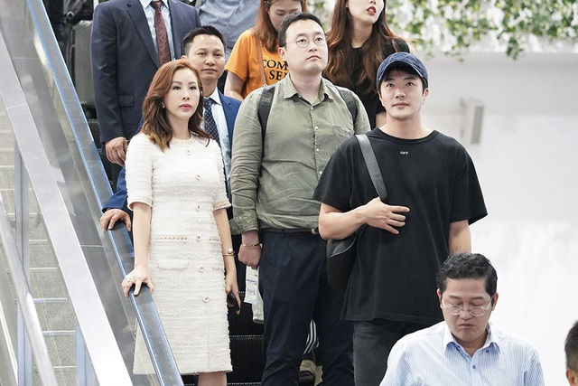 Hoa hậu quý bà Thu Hoài là người đã mời nam diễn viên sang Việt Nam để tham dự sự kiện của mình