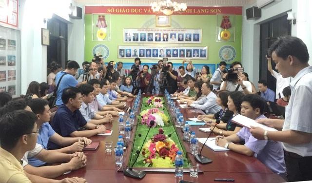 Toàn cảnh buổi họp báo công bố kết quả rà soát, xác minh kết quả thi THPT quốc gia 2018 của 35 thí sinh tại Lạng Sơn.