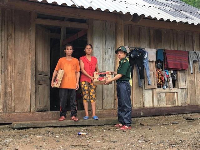 Sự hỗ trợ kịp thời của CBCS Đồn BP Nậm Cắn giúp các hộ dân bớt phần khó khăn, ổn định cuộc sống trước mắt.