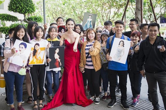 Người đẹp nhận được nhiều sự ủng hộ của người hâm mộ