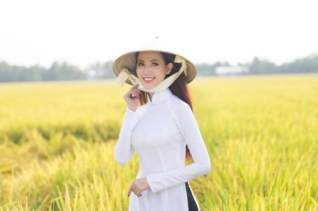 Phan Thị Mơ hi vọng rằng với video này, cô không chỉ giới thiệu được vẻ đẹp của mảnh đất quê hương đến với bạn bè Quốc tế mà còn thôi thúc họ đến với Việt Nam tươi đẹp của chúng ta.