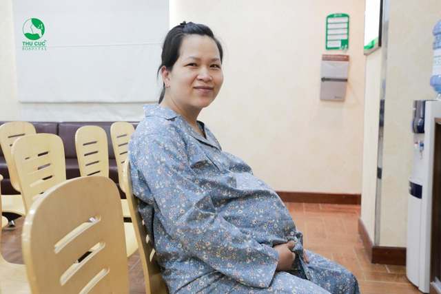 Chị Trang không giấu nổi niềm hạnh phúc khi sắp được chào đón cô con gái chào đời