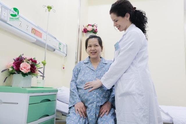 Luôn được bác sĩ động viên và hỏi thăm về tình trạng sức khỏe, chị Trang cảm thấy hoàn toàn yên tâm và hài lòng