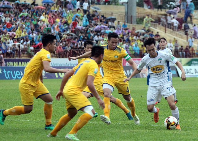 HA Gia Lai tiếp tục thất thủ ở sân Vinh - Ảnh: Gia Hưng
