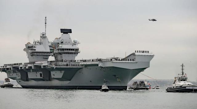 HMS Queen Elizabeth, tàu sân bay mới nhất và đắt nhất của Hải quân Anh, sẽ đi qua Biển Đông (Ảnh: Getty)
