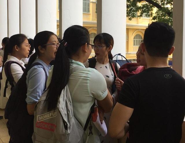 Căng thẳng thi tuyển giáo viên ở TPHCM - 1