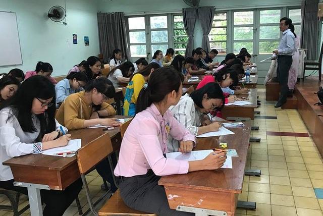 Các ứng viên sẽ trải qua các vòng xét tuyển bằng bài phỏng vấn kiến thức chung và phần thực hành giảng dạy, xử lý tình huống bài giảng