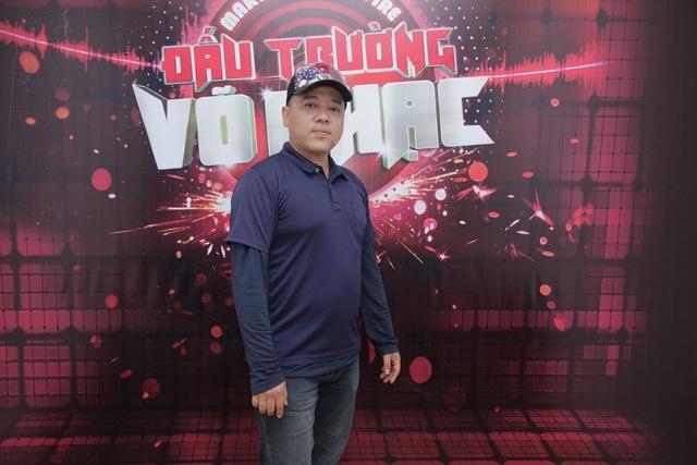 """Bên cạnh đó còn có sự góp mặt của đạo diễn phim """"Em chưa 18"""" Lê Thanh Sơn."""